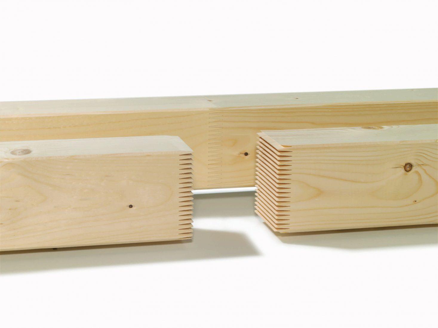 Mit Keilzinkenverbindungen lässt sich beliebig langes Konstruktionsvollholz herstellen. Foto: Überwachungsgemeinschaft KVH e.V.