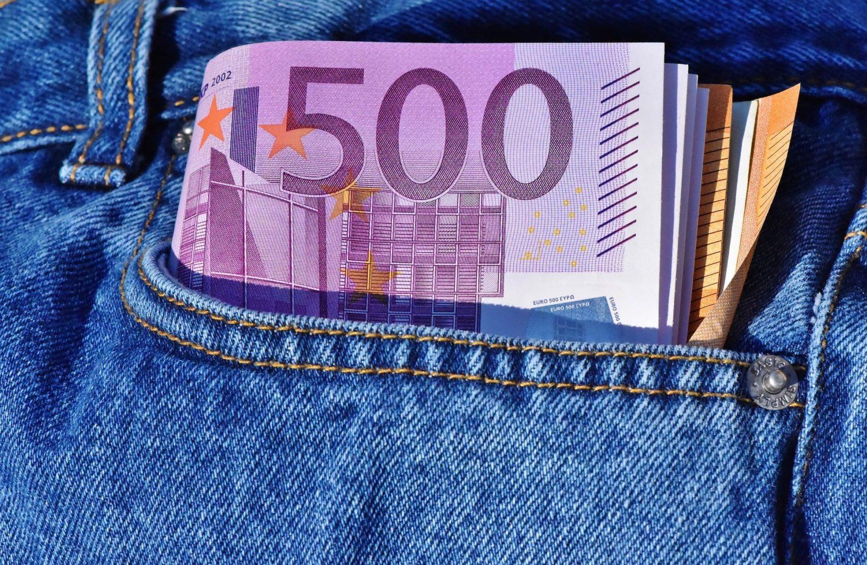 Die neue Mindestvergütung liegt bei rund 500 Euro. Foto: Pixabay