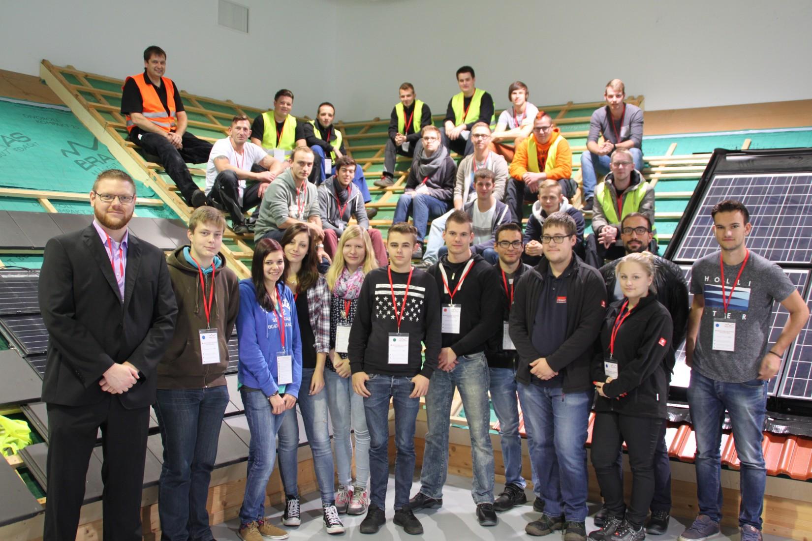 Teilnehmer/-innen beim Azubi-Tag mit Braas im Trainingszentrum in Heusenstamm