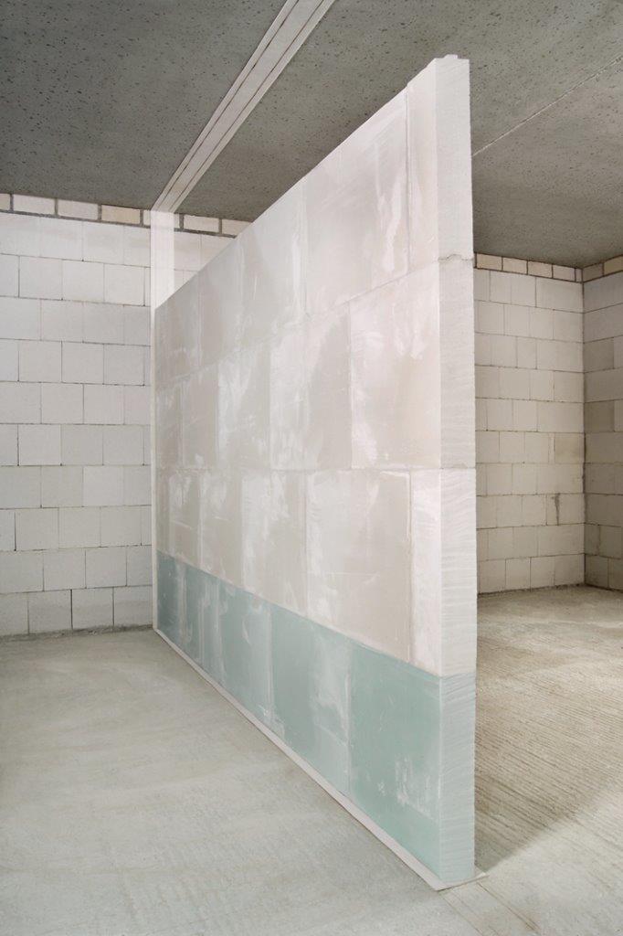 Wand aus Gips-Wandbauplatten