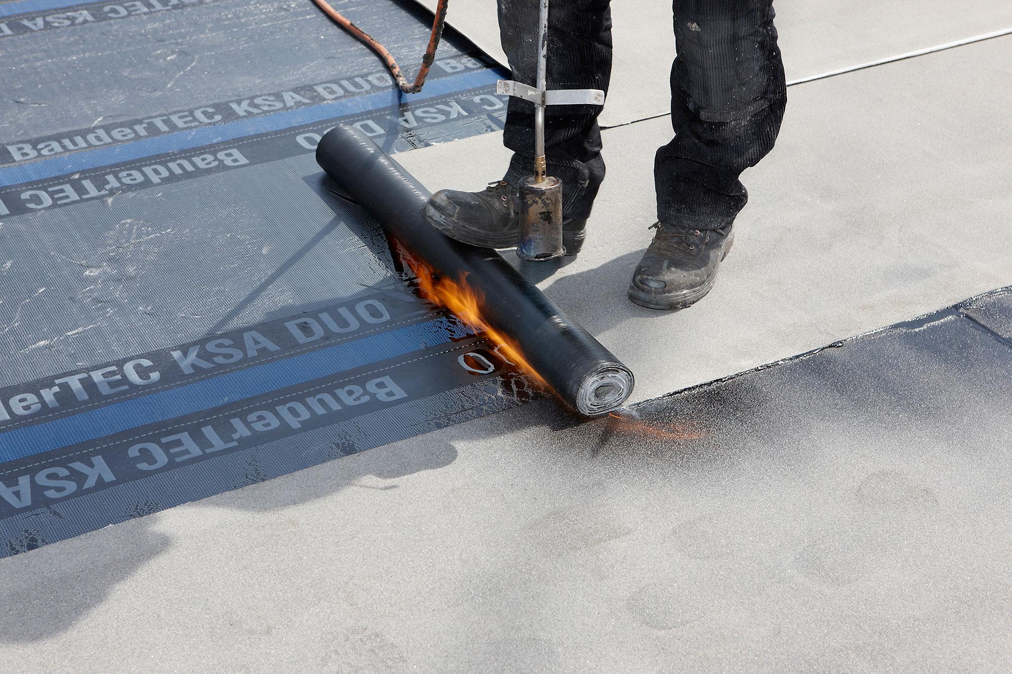 Bitumen Flüssig Flachdach : flachdachabdichtung i bitumenbahnen ~ Watch28wear.com Haus und Dekorationen
