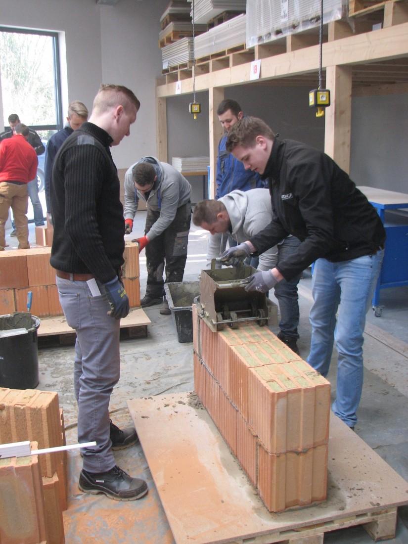 Fachberater Rohbau: Praktische Übung im Mauerwerksbau.