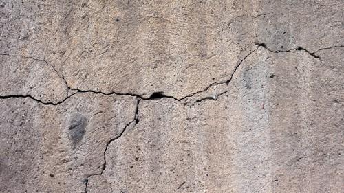 Risse im Beton verursachen Jahr für Jahr Milliardenkosten. Foto: Pixabay