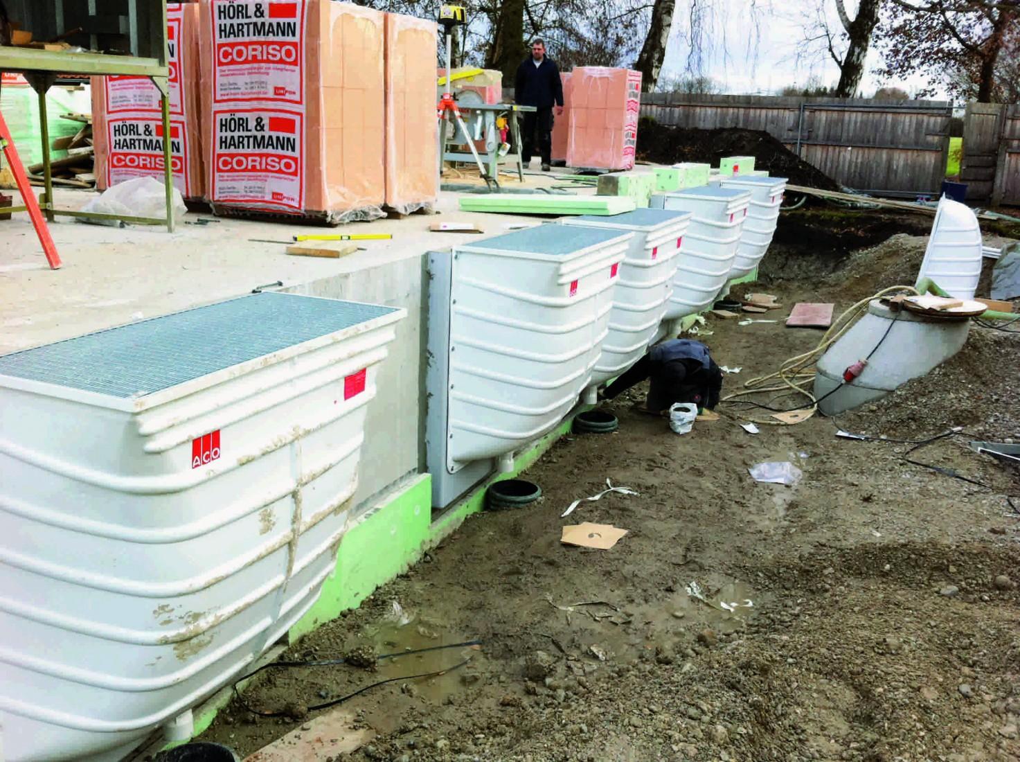 Kellerlichtschächte aus glasfaserverstärktem Kunststoff sind äußerst stabil. Foto: ACO Hochbau