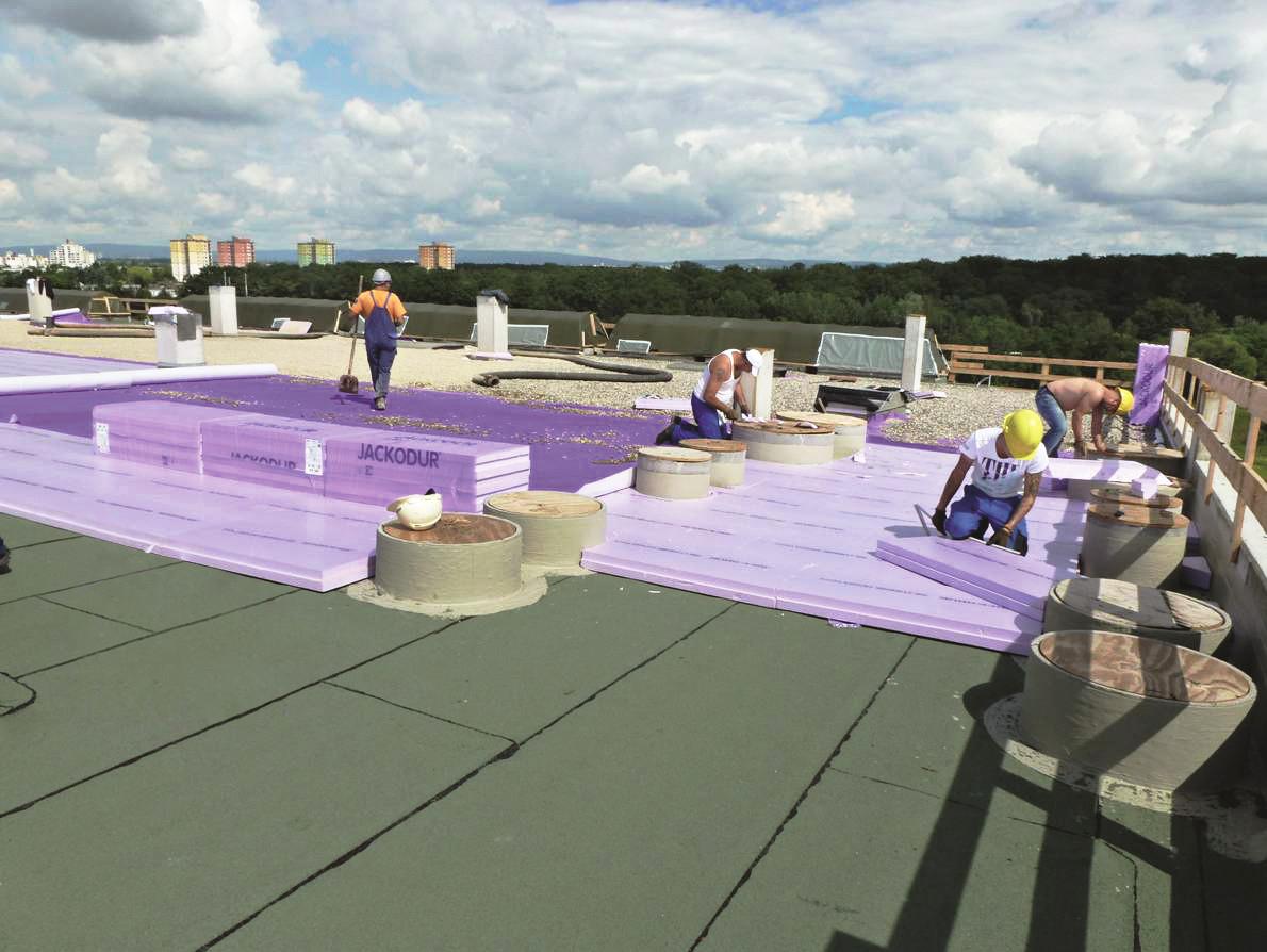 XPS kommt zum Beispiel als Dämmstoff bei Umkehrdächern zum Einsatz. Foto: Jackon Insulation
