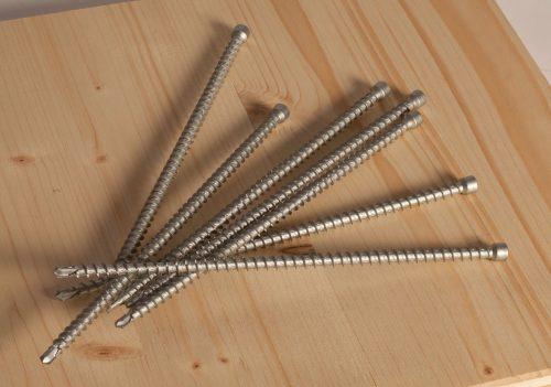 """Vollgewindeschraube """"fischer Power-Full"""" zur Verbindung tragender Holzkonstruktionen. Foto: Unternehmensgruppe fischer"""