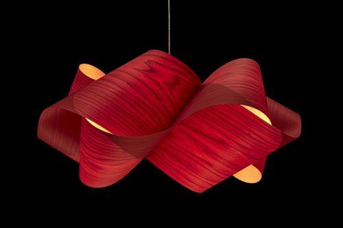 Auch das ist möglich: Furnier für einen Lampenschirm des spanischen Herstellers LZF. Foto: LZF Lamps