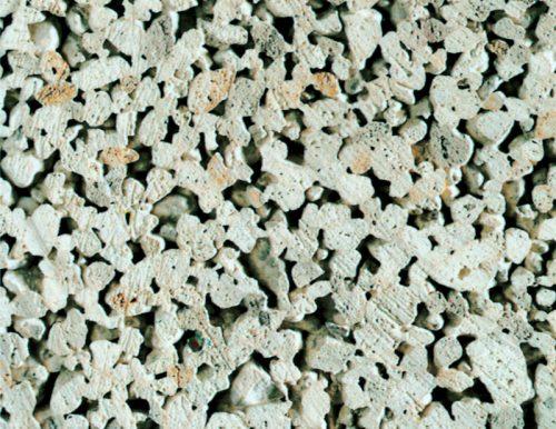 Herkömmlicher haufwerksporiger Leichtbeton wird in der Regel verputzt. Foto: Bundesverband Leichtbeton