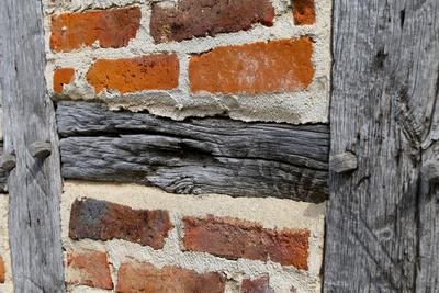 Mit Ziegelsteinen ausgemauerte Gefache. Foto: Sandro Almir Immanuel / www.pixelio.de