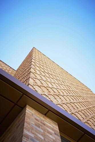 Der Vormauermörtel ist Teil der schützenden Außenhaut des Gebäudes. Foto: Quick-Mix