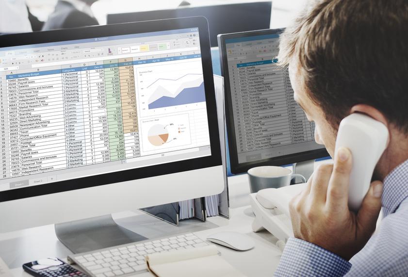 Der Handel benötigt aktuelle Artikelstammdaten für seine Warenwirtschaftssysteme. Foto: Fotolia/© Rawpixel.com