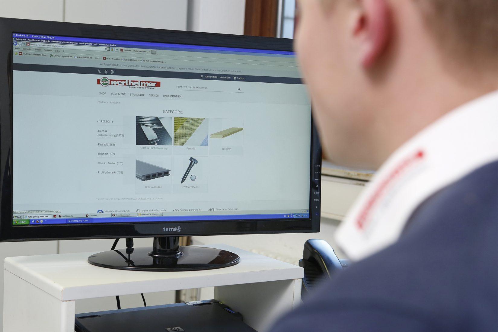 Auch der Baustoff-Fachhandel könnte künftig spezialisierte Kaufleute für Webshops einstellen. Foto: hagebau