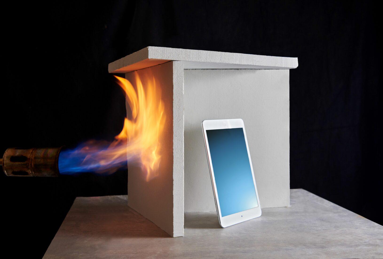 Calostat ist hochdämmend und zugleich nicht brennbar. Foto: Evonik