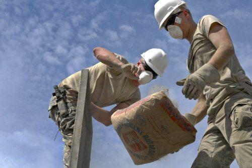 Zement wird überwiegend als lose Ware und deutlich seltener in Säcken ausgeliefert. Foto: Pixabay