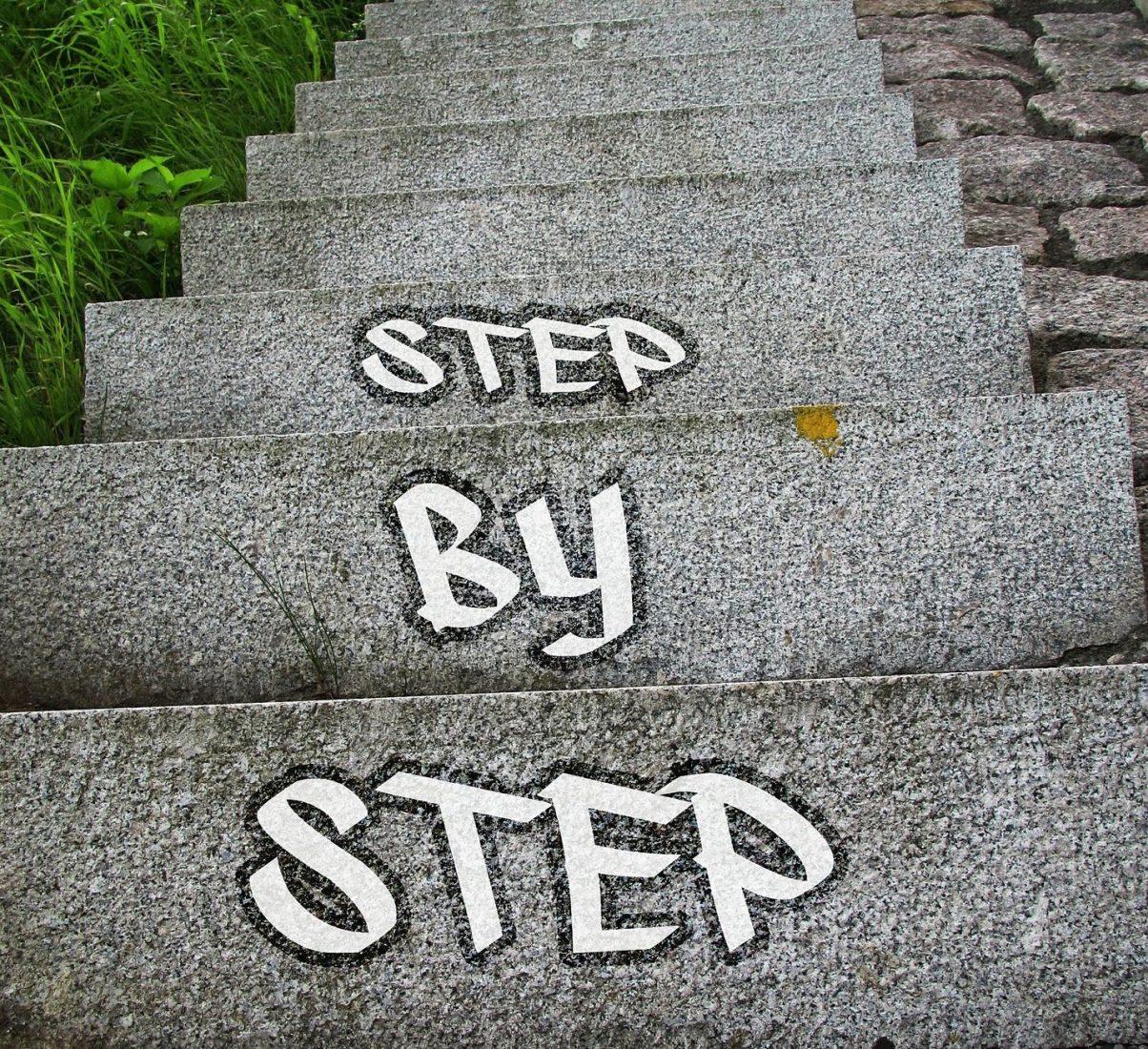 Hersteller – Fachhandel – Verwender: Das sind die drei Stufen beim klassischen Vertrieb in der Baustoffbranche. Foto: Pixabay