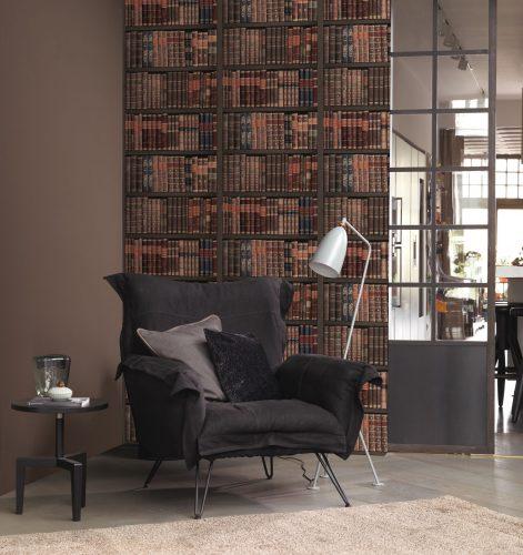 Perfekte Illusion: Moderne Fototapete im Bücherregal-Design. Foto: Rasch