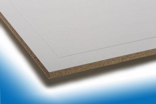"""Verarbeitung von papierkaschierten Vermiculit-Platten der Marke """"Miprotec M"""". Foto: Techno Physik"""