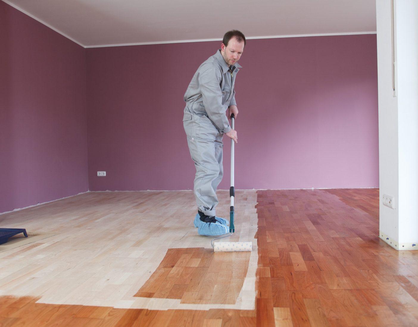 Holzpflegemittel Ol Wachs Oder Lack Grundstoffe Des Bauens