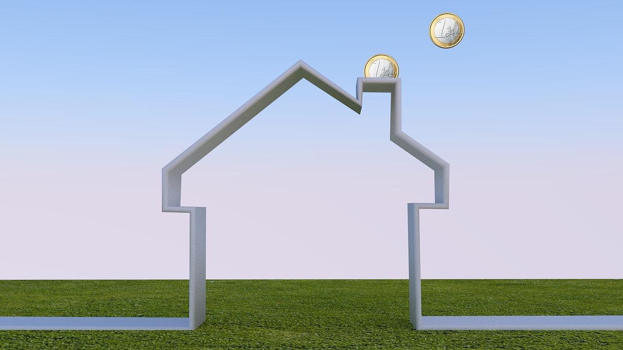 Der Verbrauch fossiler Brennstoffe im Wohnbereich kostet nicht nur Geld, sondern schadet auch dem Klima. Grafik: Pixabay