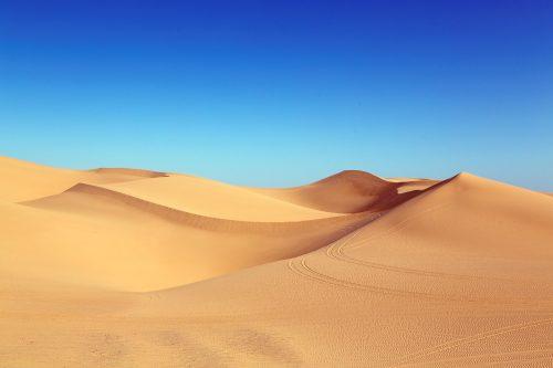 Wüstensand ist zwar massenhaft vorhanden, eignet sich aber nicht für den Baustoffbereich. Foto: Pixabay