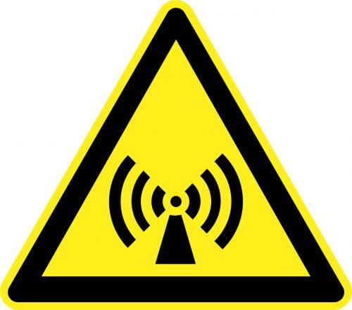 Vor elektromagnetischen Feldern in Wohnbereichen wird selten gewarnt, obwohl sie in den letzten Jahren stark zugenommen haben.