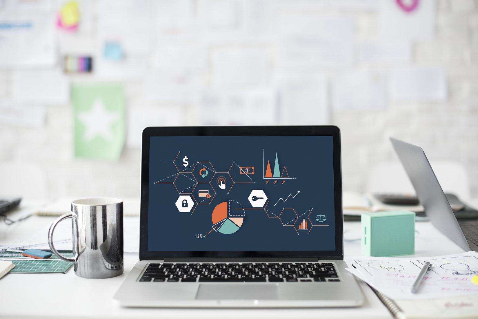 Kaufleute für Büromanagement übernehmen meist verwaltend-organisatorische Tätigkeiten am Schreibtisch. Foto: Pixabay