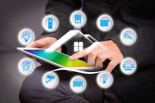 """Smart Home"""" bezeichnet das informations- und sensortechnisch weiterentwickelte, in sich selbst und nach außen hin vernetzte Zuhause. Grafik: Pixabay"""