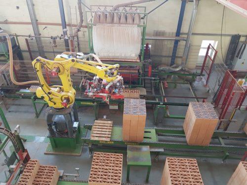 Produktion der EPS-gefüllten Ziegel beim bayerischen Hersteller Kellerer. Foto: ZMK