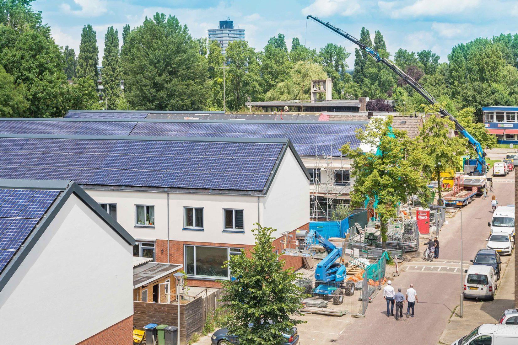 Serielle Sanierung von Reihenhäusern in Arnhem (Niederlande). Foto: Energiesprong International