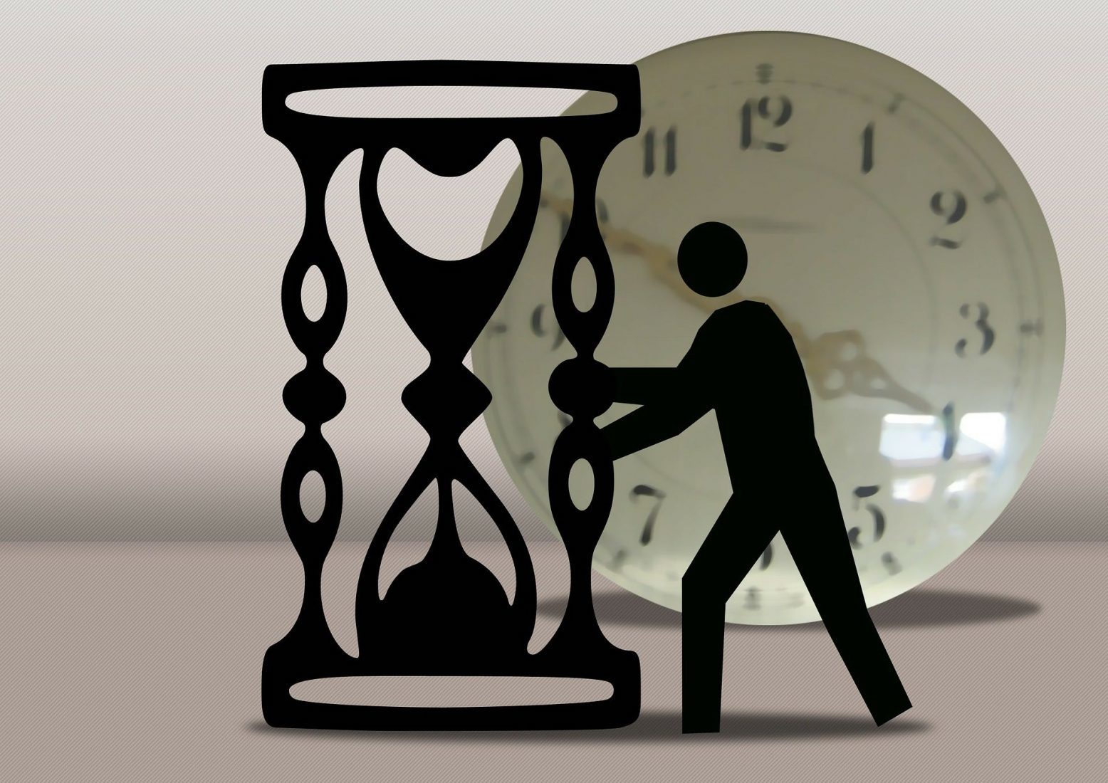 36,3 % der befragten Azubis machen regelmäßig Überstunden. Foto: Pixabay