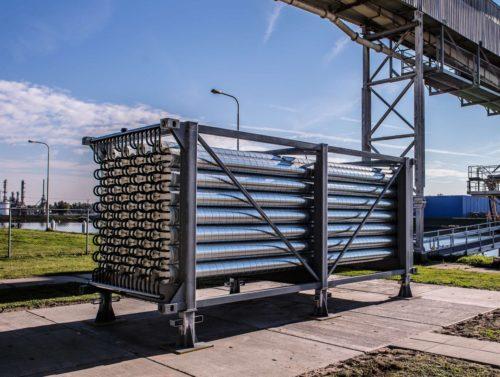 Das TES-System besteht aus Speicherbausteinen, die sich je nach Bedarf in beliebiger Menge aufeinandersetzen lassen. Fotos: Heidelberg Cement AG / Steffen Fuchs