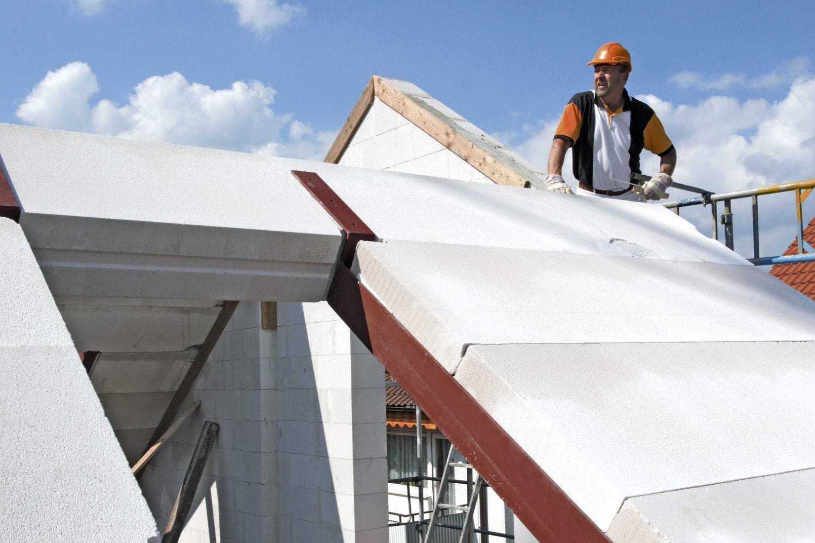 Wohnhaus-Steildach mit massiven Bauteilen aus Porenbeton. Foto: Xella/Hebel