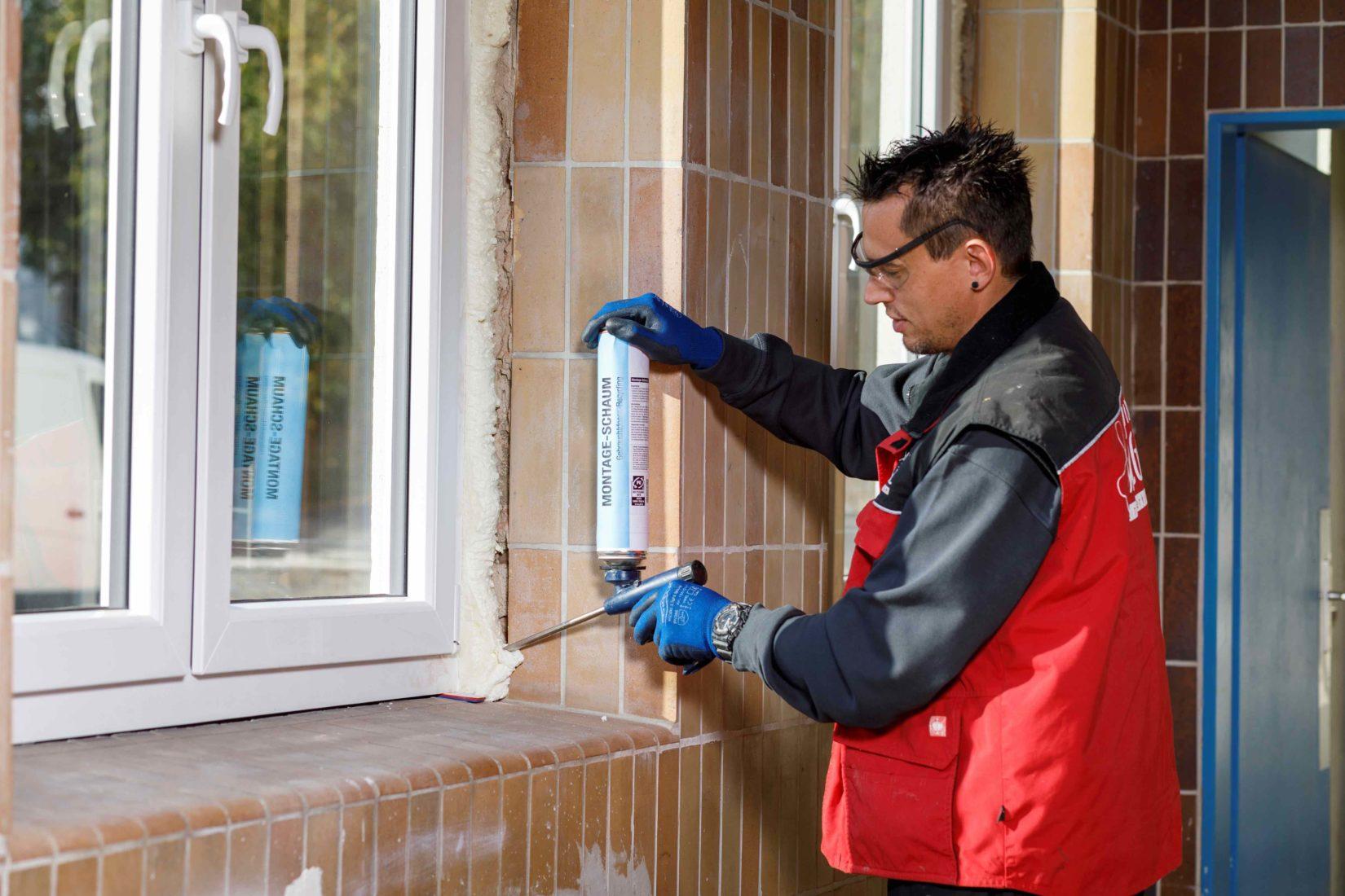 Für Fenster ist flexibler PU-Schaum das Mittel der Wahl. Foto: PU-Schaum-Infocenter