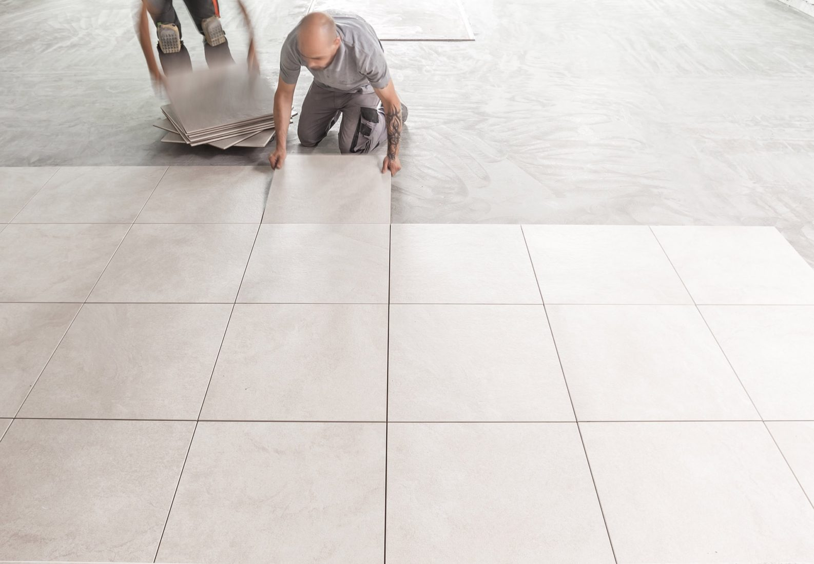 Der Name ist Programm: Die neuen Dry-Tile-Fliesen werden trocken verlegt. Abbildungen: Agrob Buchtal