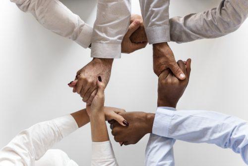 Bei Verbundausbildungen kooperieren zwei oder mehrere Betriebe beziehungsweise Bildungsträger miteinander.