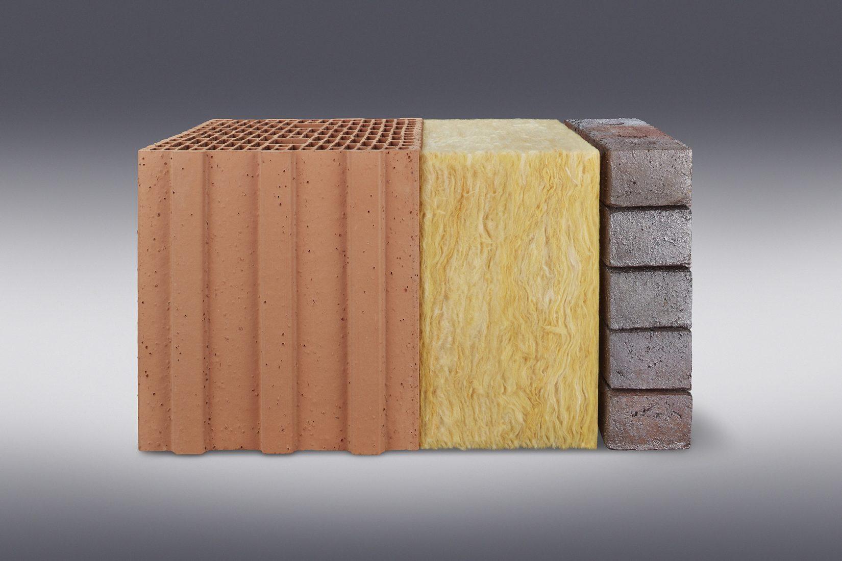 Zweischaliges Mauerwerk mit Hintermauer aus porosierten Ziegeln, Kerndämmung und Klinkerfassade. Foto: Wienerberger / Jens Krüger
