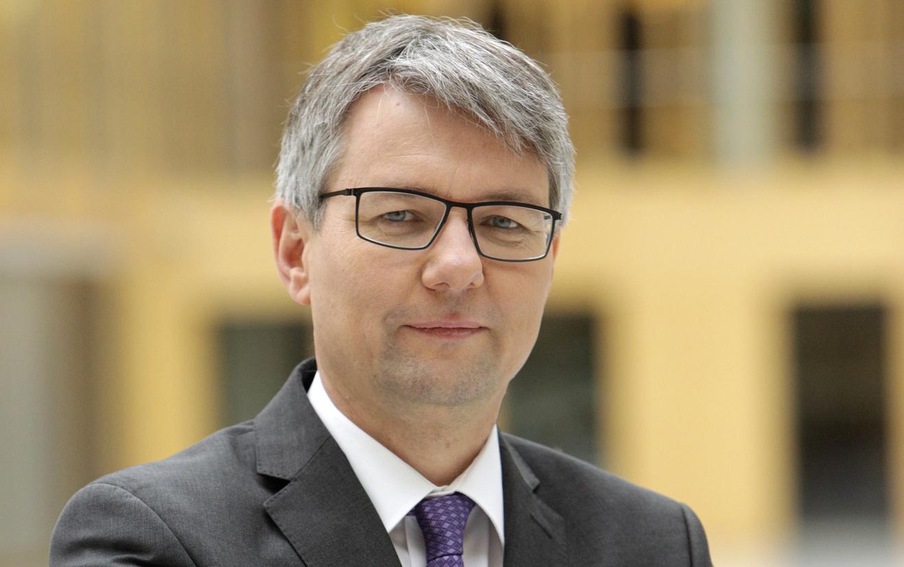 Achim Dercks äußerte sich zum Fachkräftemangel in der deutschen Wirtschaft. Foto: DIHK / Jens Schicke
