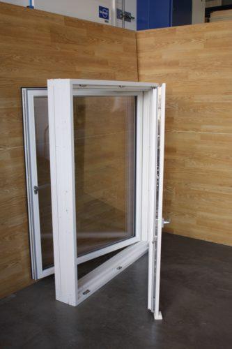 Dieses moderne Kastenfenster für Neubauten hat der Hersteller HFBB Holzfensterbau Bernau 2014 zusammen mit dem Institut für Holztechnologie Dresden entwickelt. Foto: IHD