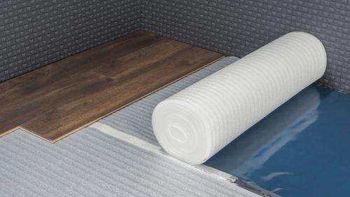 Klassische PE-Schaum-Rollenware harmoniert auch gut mit den Anforderungen einer Fußbodenheizung. Foto: Carl Prinz GmbH & Co. KG