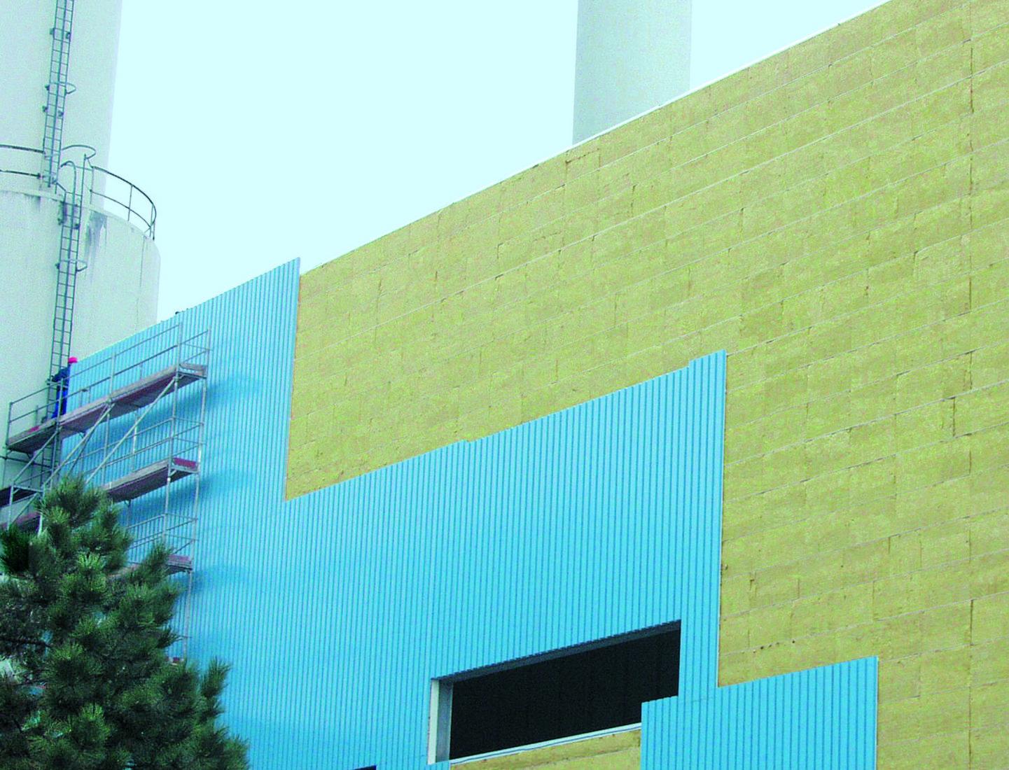 Im U-Wert berücksichtigt: Außenwände bestehen meist aus unterschiedlichen Materialschichten. Foto: Rockwool