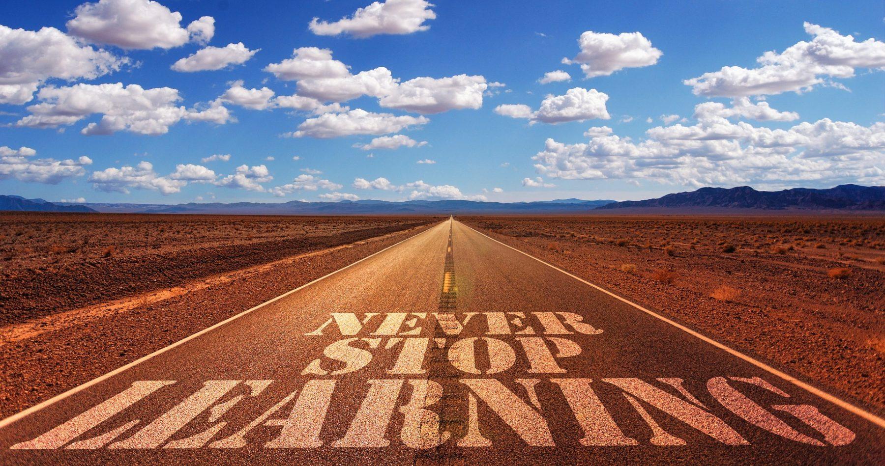 Der individuelle Bildungsweg endet heutzutage selten mit der beruflichen Erstausbildung. Foto: Pixabay