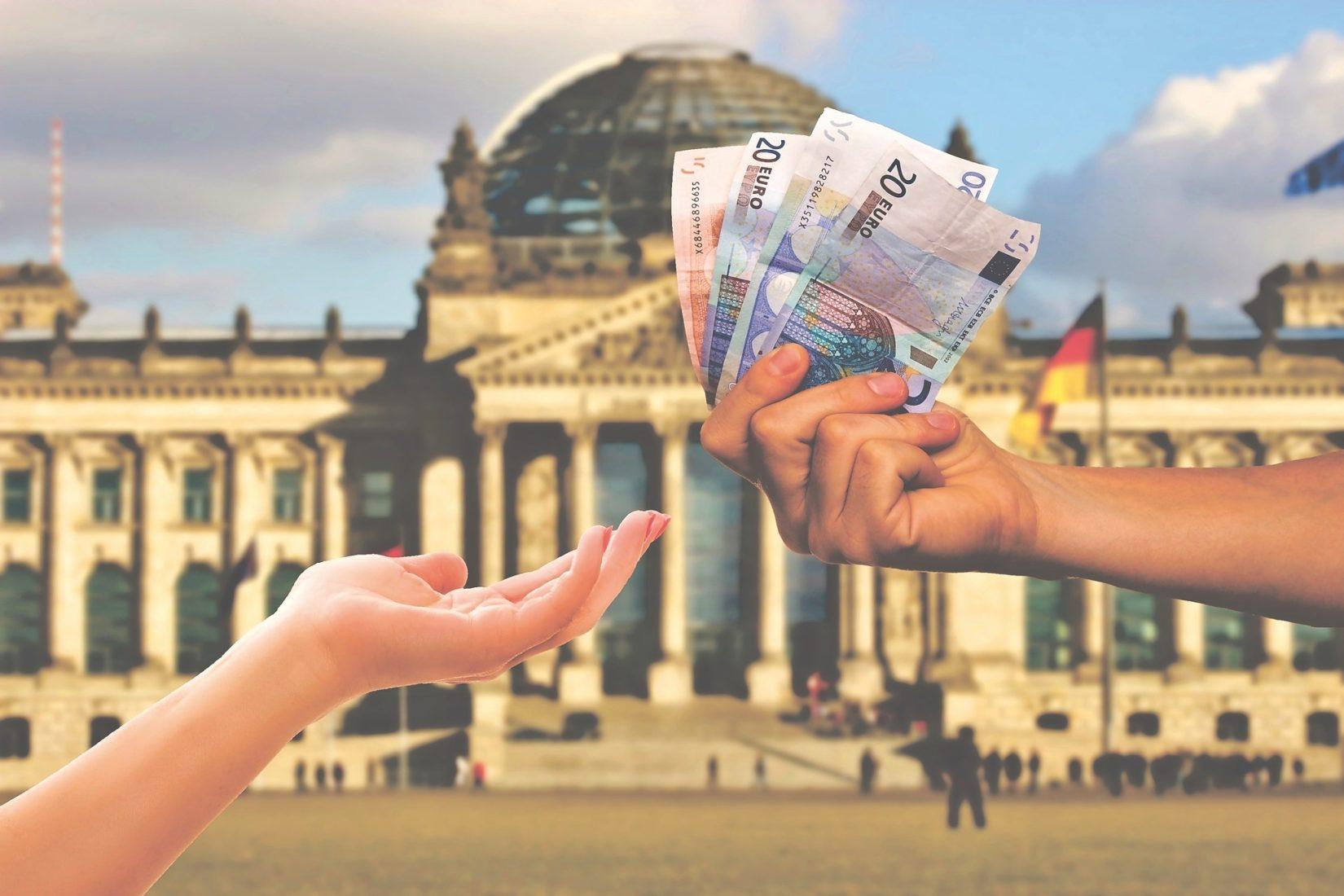 Der Bundestag hat die Leistungen der Berufsausbildungsbeihilfe erhöht. Foto: Pixabay