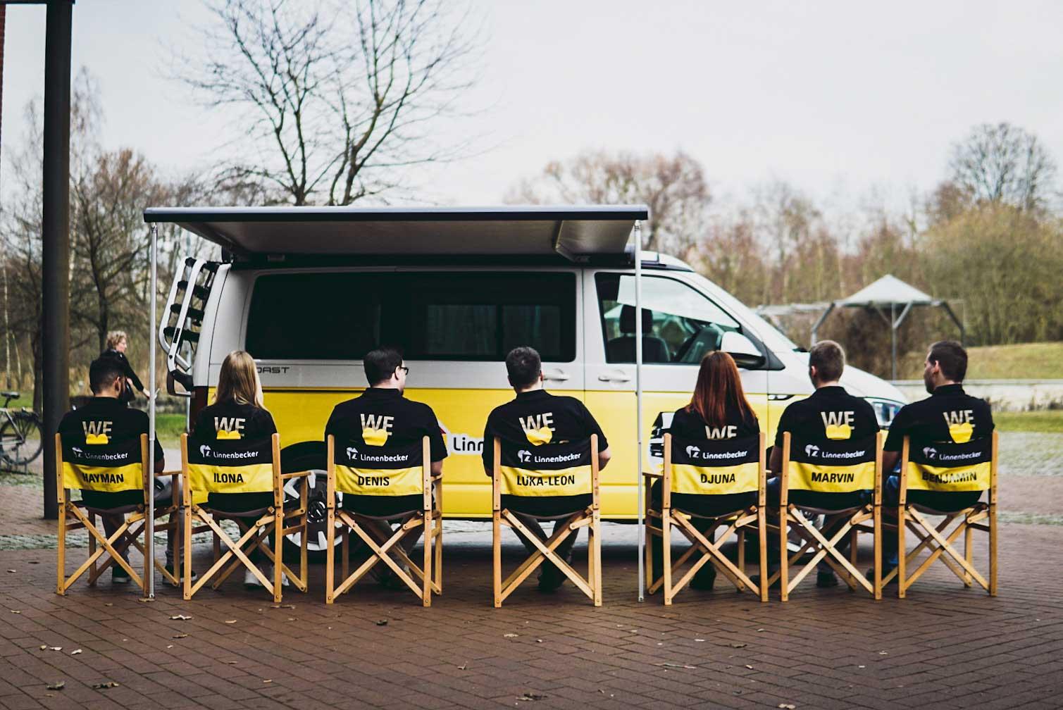 """Die """"Youngsters on Tour"""" gehen in Deutschland auf Reisen und drehen Vlogs über das eigene Unternehmen. Foto: Linnenbecker"""