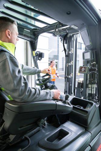 Die Truck Unit wird fest im Flurförderzeug installiert. Foto: Linde Material Handling