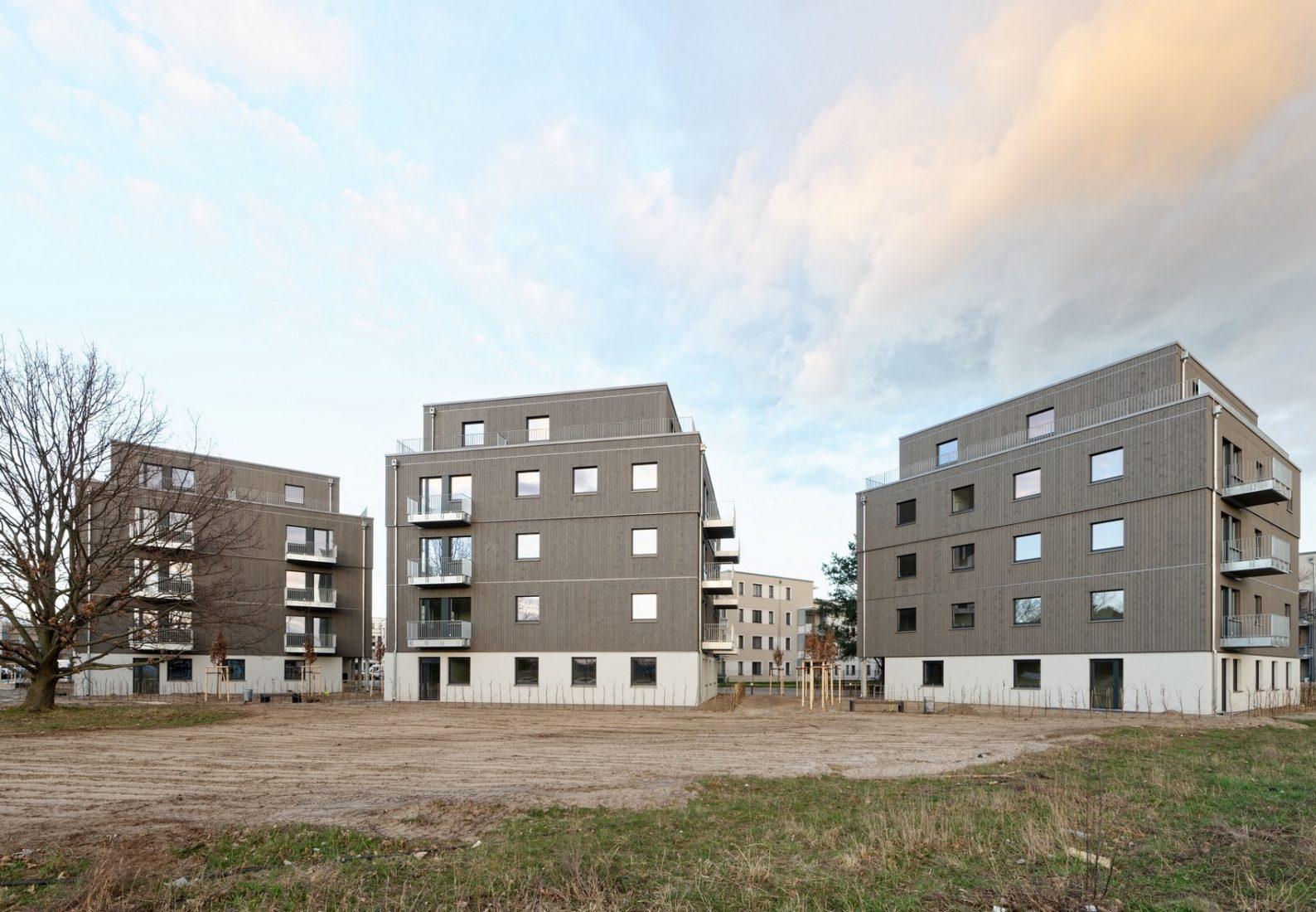 In Berlin-Adlershof wurden im März 2019 drei Holzhybrid-Wohnhäuser fertiggestellt. Foto: Brüninghoff