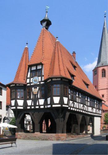 Das zweite Fachwerk-Symposium findet im Rathaus Michelstadt (Odenwald) statt. Foto: Claytec