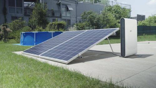 Diese Mikroanlage verfügt über einen zusätzlichen Solarspeicher. Foto: EET