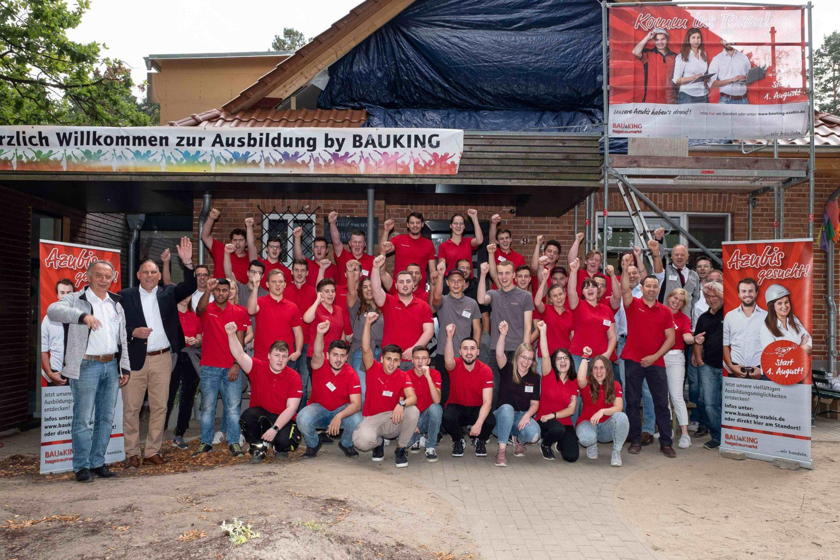 Die 40 Auszubildenden beim Azubi-Camp in Waren a. d. Müritz. Fotos: Bauking AG