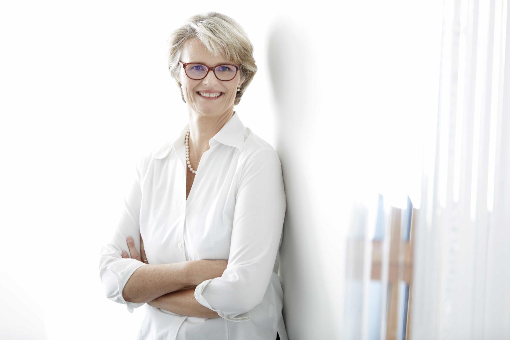 Bundesbildungsministerin Anja Karliczek äußerte sich zu den neuen Standards. Foto: BMBF / Laurence Chaperon.jpg