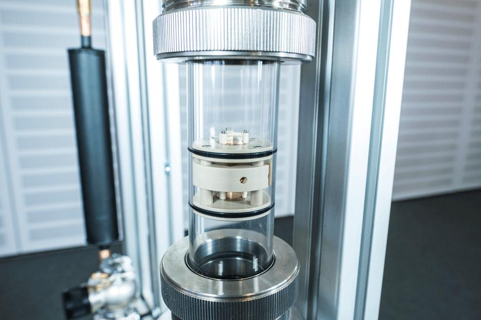 ElKaWe-Projekt: Experimentier-Plattform für elektrokalorische Wärmepumpen. Foto: Fraunhofer IPM